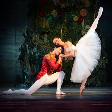 charkov-city-opera-ballet-de-notenkraker-foto-1-liggend-c-rechtenvrij-1.jpg